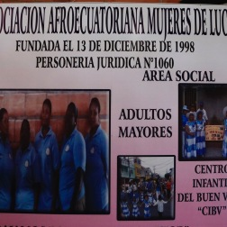 De organisatie 'Mujeres de Lucha' in de krottenwijk 'Cristo del Consuelo' organiseren verschillende cursussen, zoals naaien, koken en haar knippen.